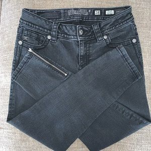 Miss Me Jeans - EUC Miss Me Cropped Skinny Mid Rise Jeans Size 28.